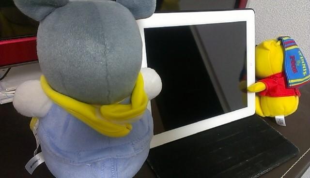 iPadとプーさんとミッキーポロロンの写真