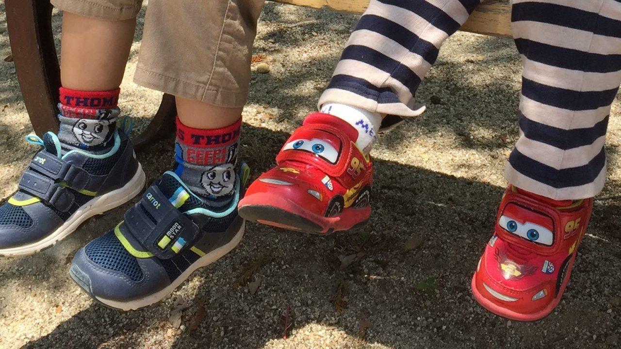 ライトニングマックイーンの赤い靴の写真